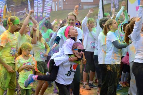 RunOrDye_girls_141011
