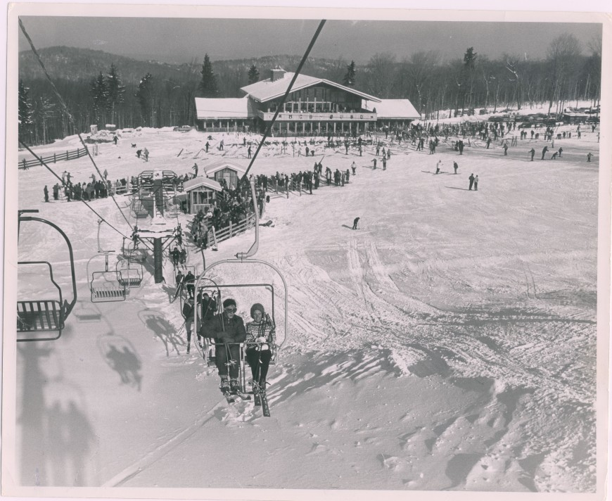 base lodge with chair lift (2)