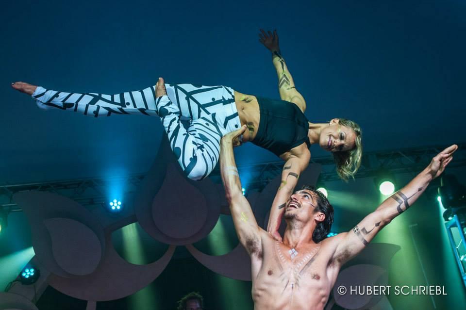Wanderlust acrobatic performers.