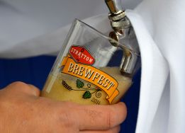 columbusday_beerpour_141011